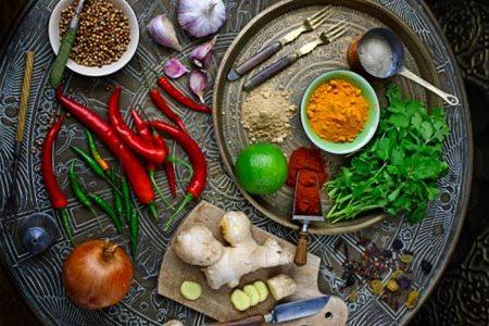 Các loại gia vị như muối, đường, dấm, ớt... không thể thiếu trong căn bếp nhà bạn, nhưng nếu ...