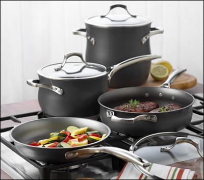 Nhờ vào chức năng chống dính, lượng dầu ăn cần dùng khi nấu sẽ